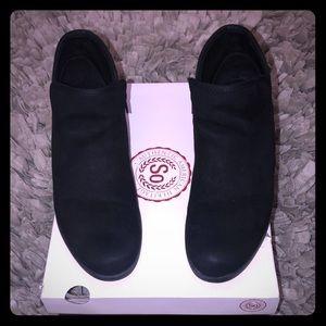 SO Black Ankle Booties Sz 9